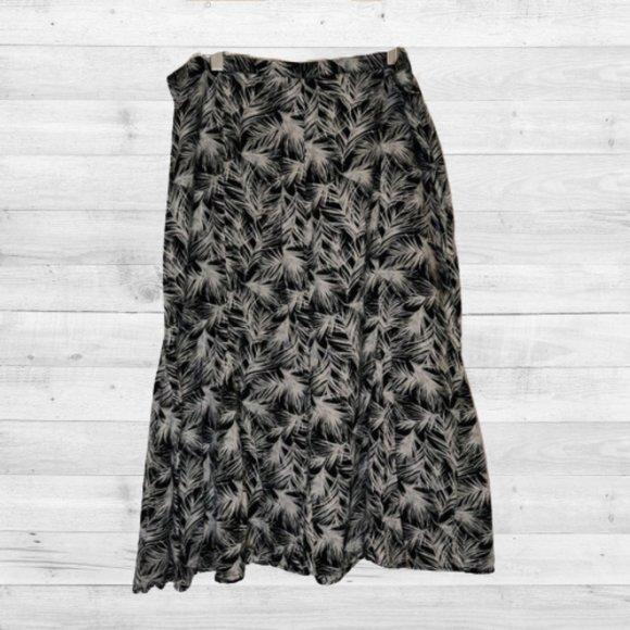Christopher & Banks Dresses & Skirts - Christopher & Banks Skirt size 14